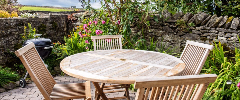 Tub Cottage - Holiday Cottage, Litton - garden